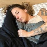 How to Go to Bed Early: 8 Ideas for Getting to Sleep Earlier